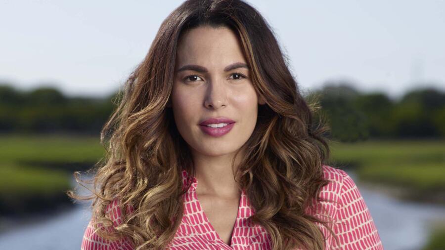 Nadine Velazquez as Jackie Ortiz