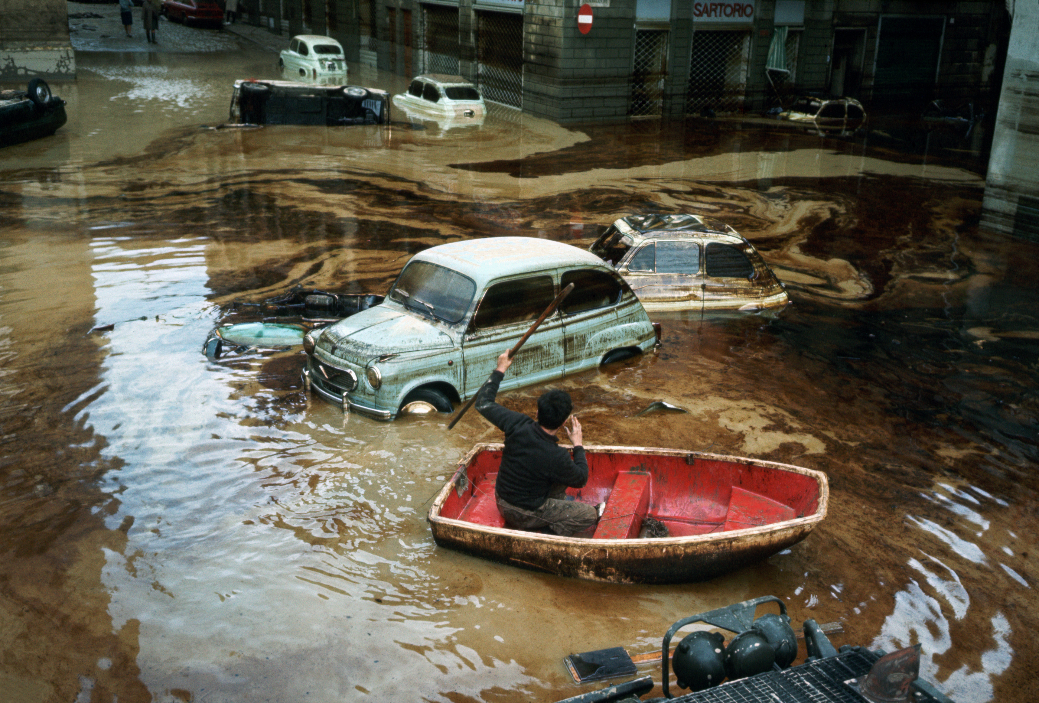The World's Most Catastrophic Floods, in Photos - HISTORY