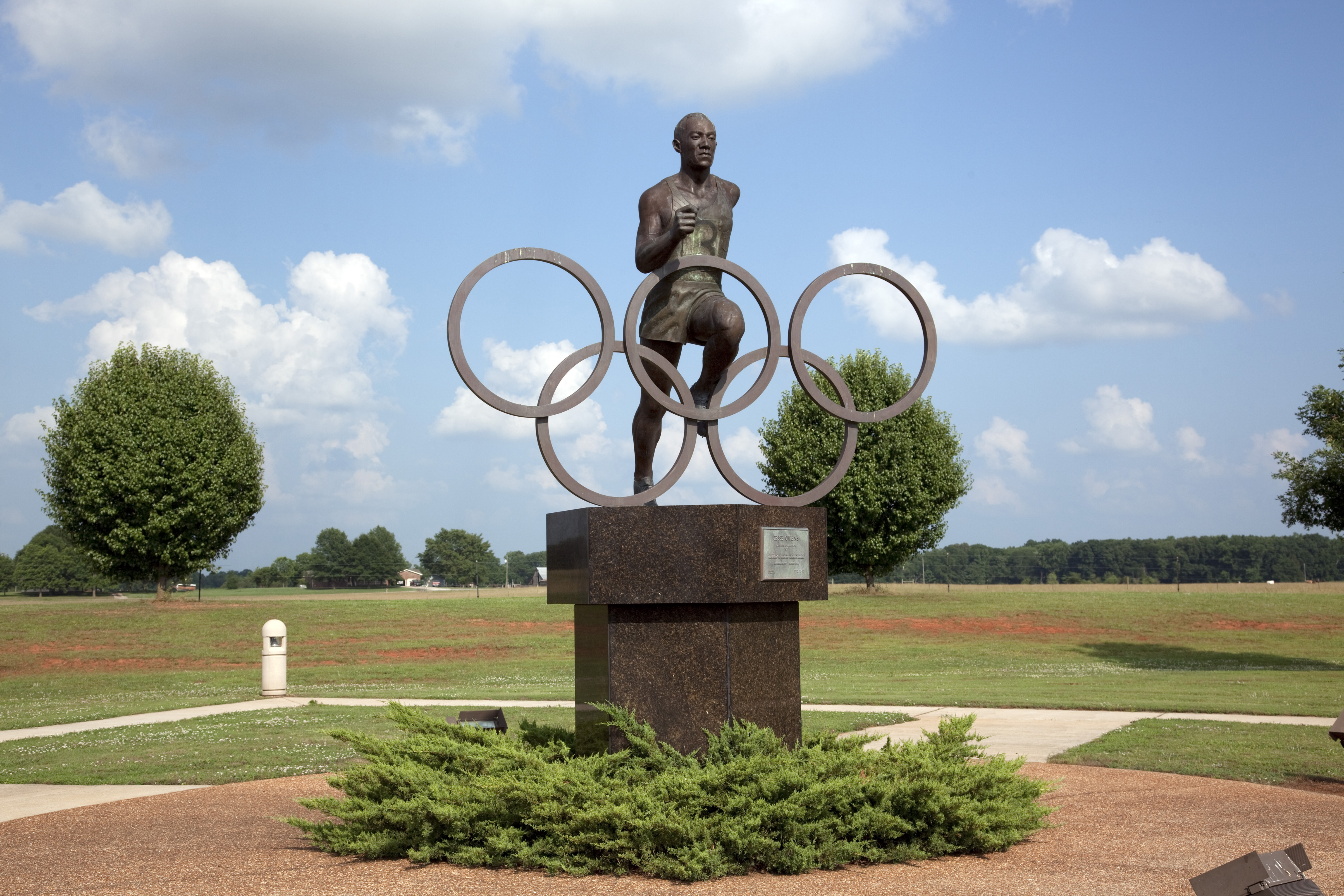 10 Things You May Not Know About Jesse Owens