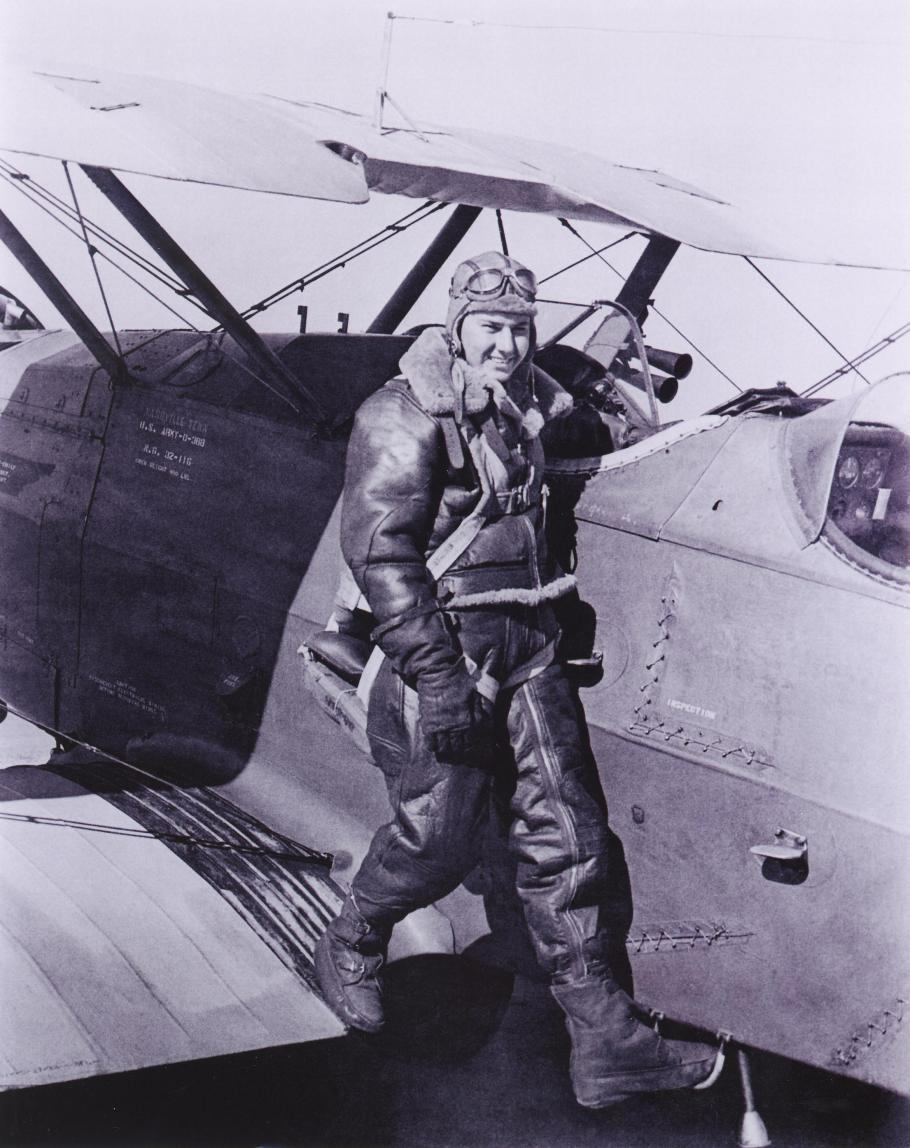 Bob Hoover, WWII Fighter Pilot & Air Show Ace, Dies at 94