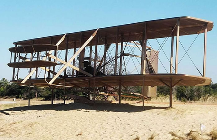 """In Connecticut, Wright Brothers No Longer """"First in Flight"""""""