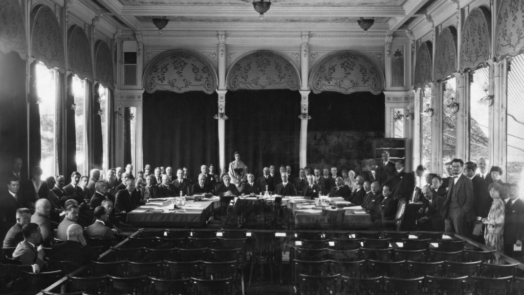 how the treaty of versailles led to world war ii One of the many provisions of the treaty of versailles was for germany to accept   this site described the many causes and events that lead up to world war ii.