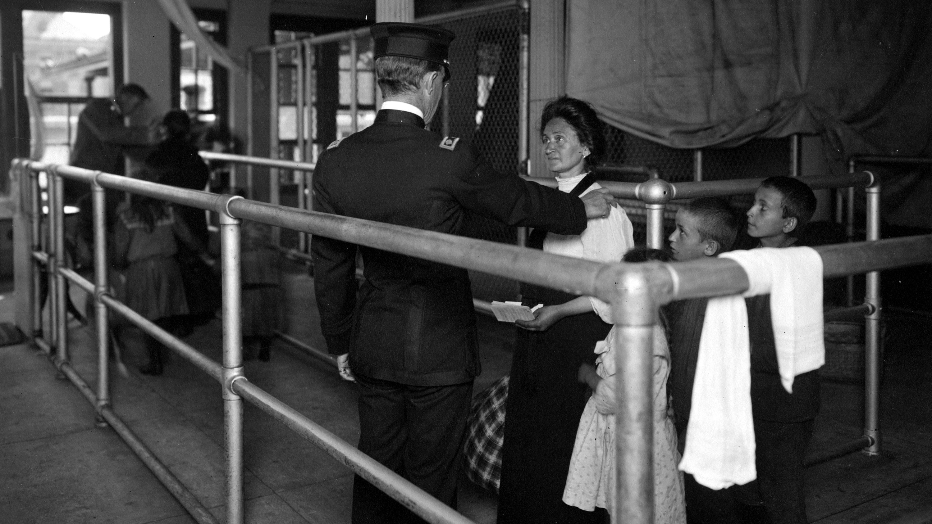 Most Immigrants Arriving at Ellis Island in 1907 Were Processed in a Few Hours