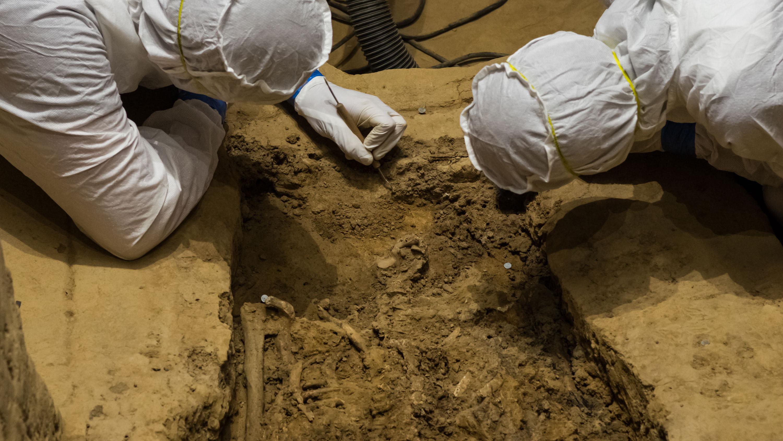 Is This Jamestown Skeleton One of the First Virginia Slaveholders?