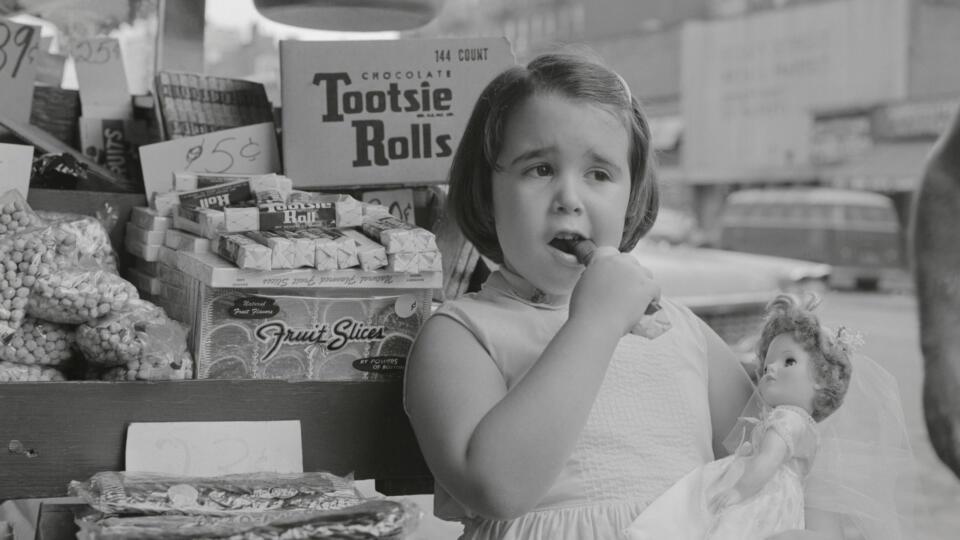 Tootsie Roll advertisement