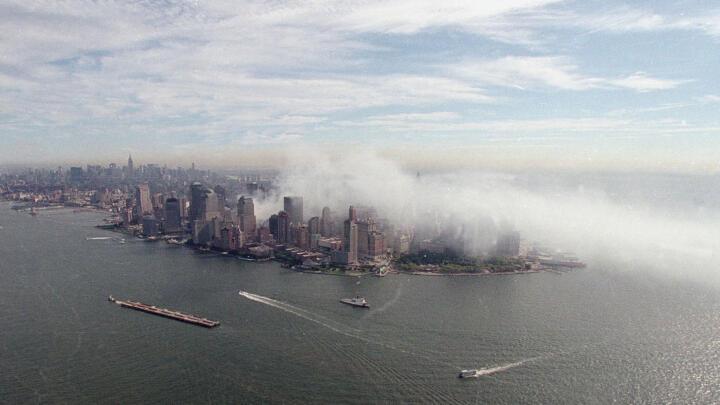 Smoke-filled Manhattan skyline on September 11, 2001