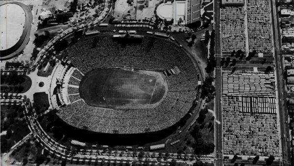 10 Long-Gone MLB Ballparks With Quirky Features Alt Image