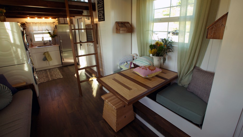 THN-Expandable-Tiny-Cottage-2