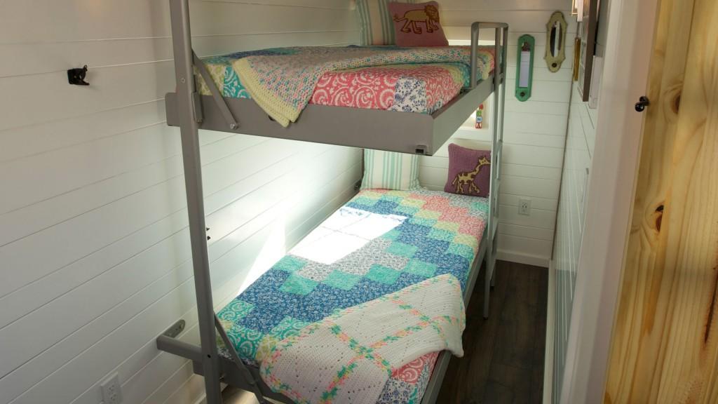 THN-Expandable-Tiny-Cottage-3