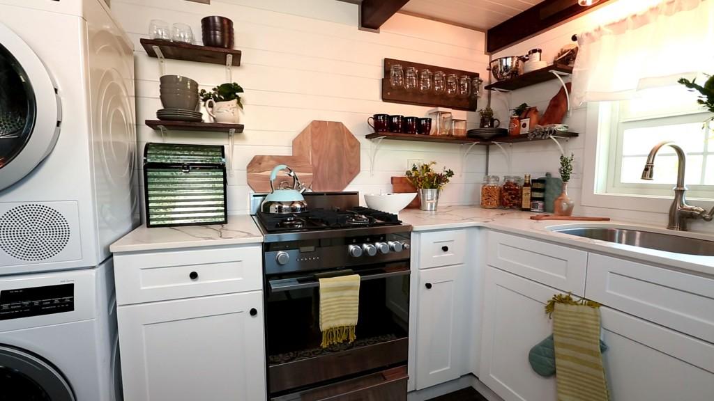 THN-Expandable-Tiny-Cottage-6