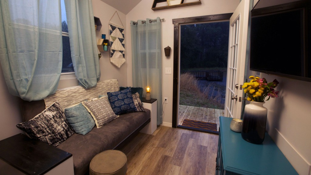 tiny house nation country meets city house