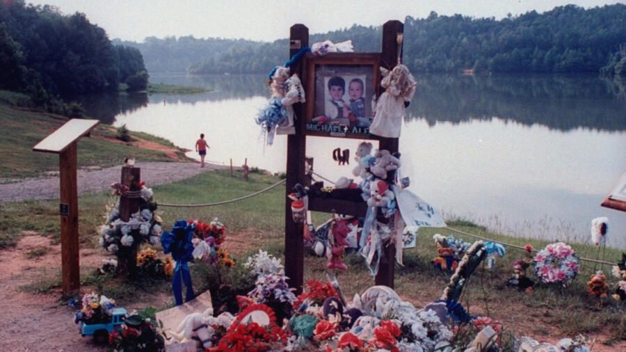 Memorial for Michael and Alex Smith, victims of Susan Smith
