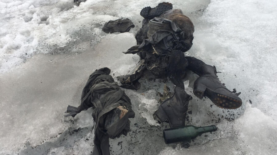 Bodies of a couple buried in ice for decades in Les Diableret, Switzerland