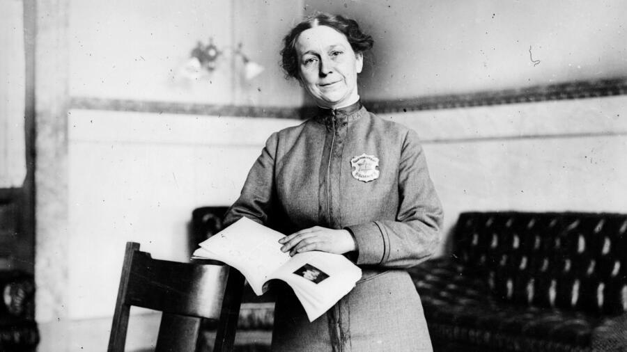 Alice Stebbin Wells policewoman