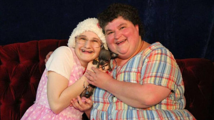 Gypsy Rose (left) and Dee Dee Blanchard. P