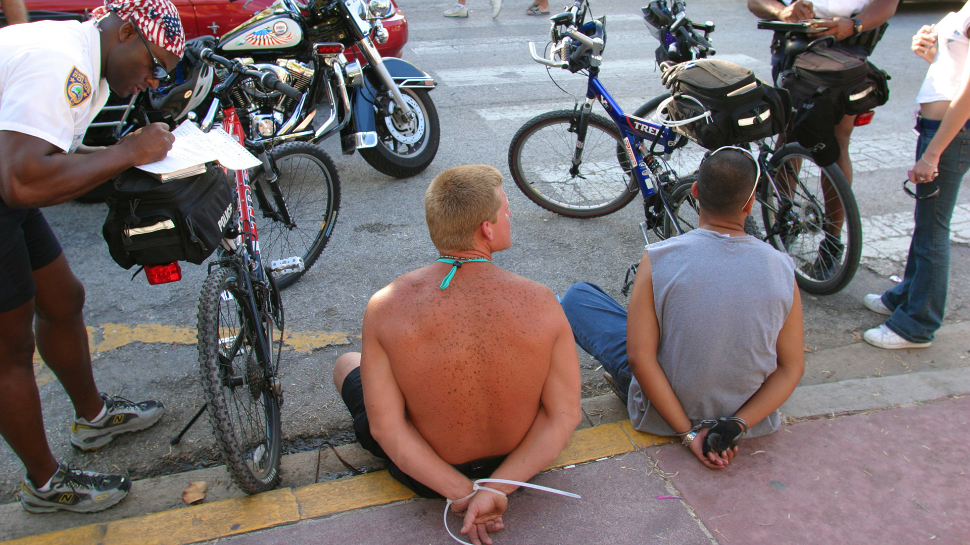 Does Crime Really Go Up in Hot Weather?