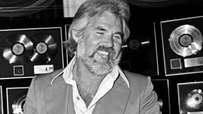 Kenny Rogers on Biography.com