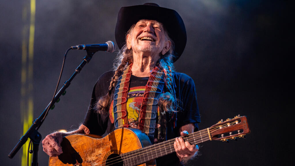 A&E Announces Concert Special Honoring Willie Nelson and Celebrates Dolly Parton and Kenny Rogers in New 'Biography' Specials