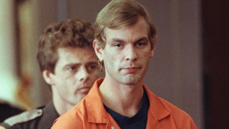 Serial Killer Jeffrey Dahmer in Prison