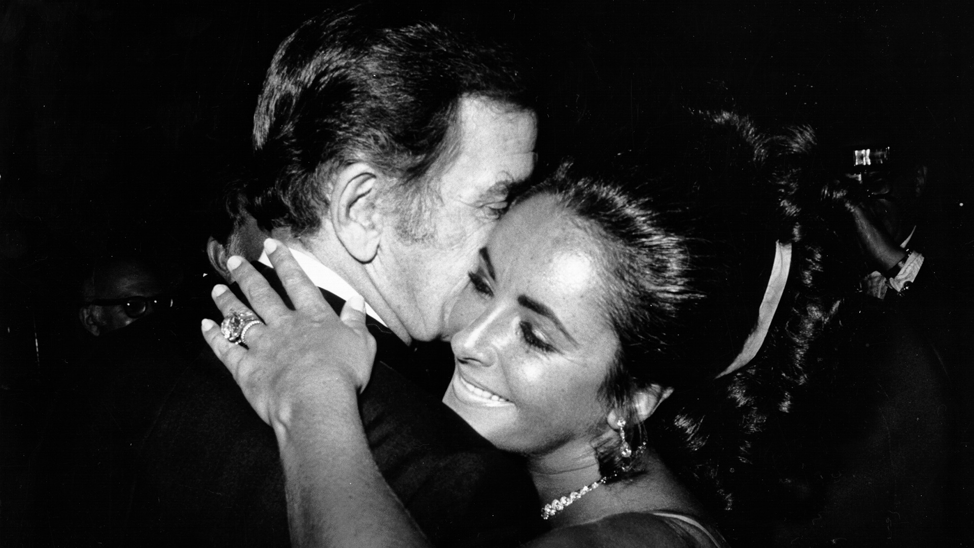 October 10, 1975: Elizabeth Taylor and Richard Burton Secretly Remarried in  Africa, Only Sixteen Months After Getting Divorced - Lifetime