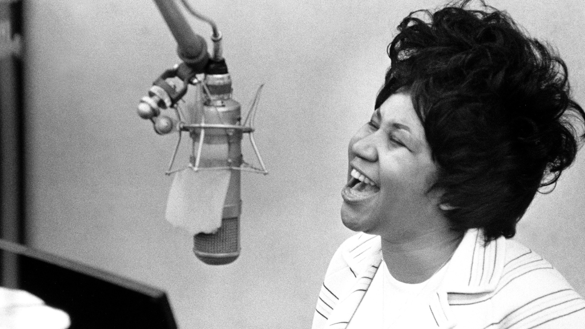 January 3, 1987: Aretha Franklin Became the First Female Artist Inducted Into the Rock and Roll Hall of Fame