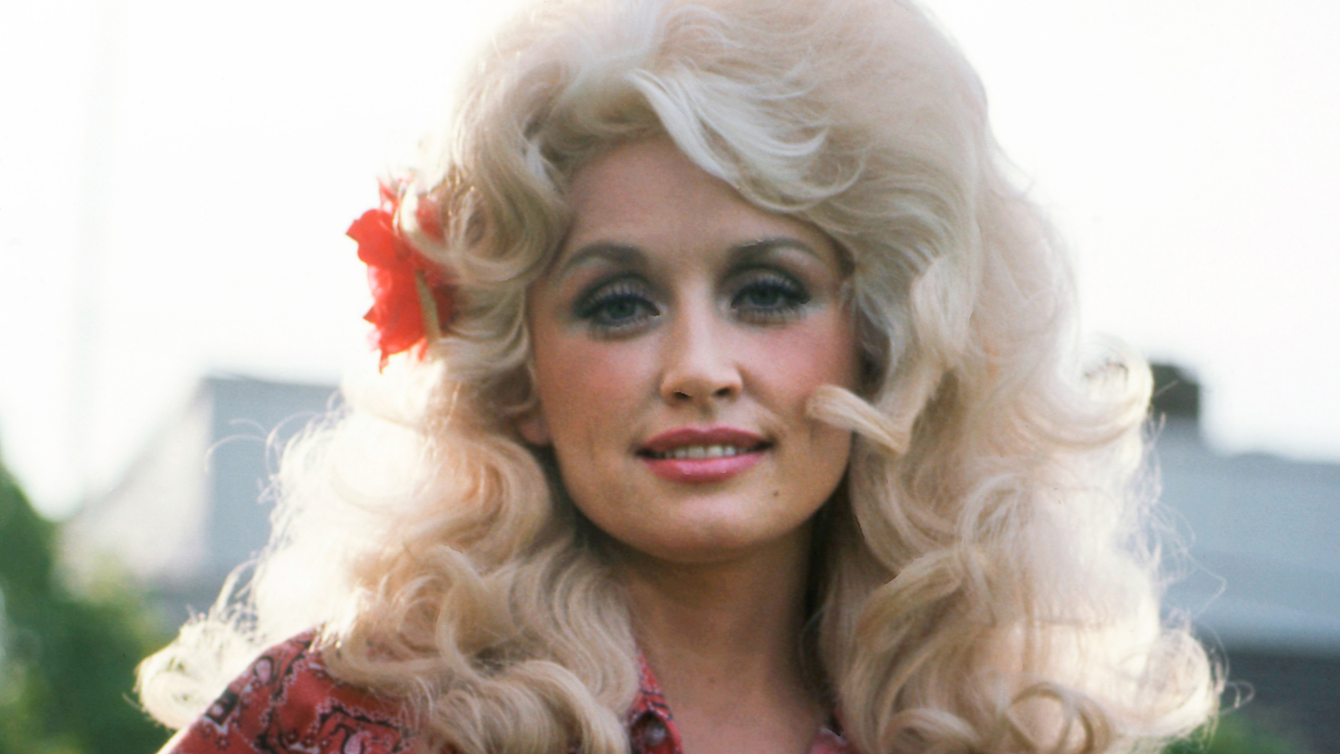 """February 21, 1981: Dolly Parton's """"9 to 5"""" Hit No. 1 and Became a Working Women's Anthem"""
