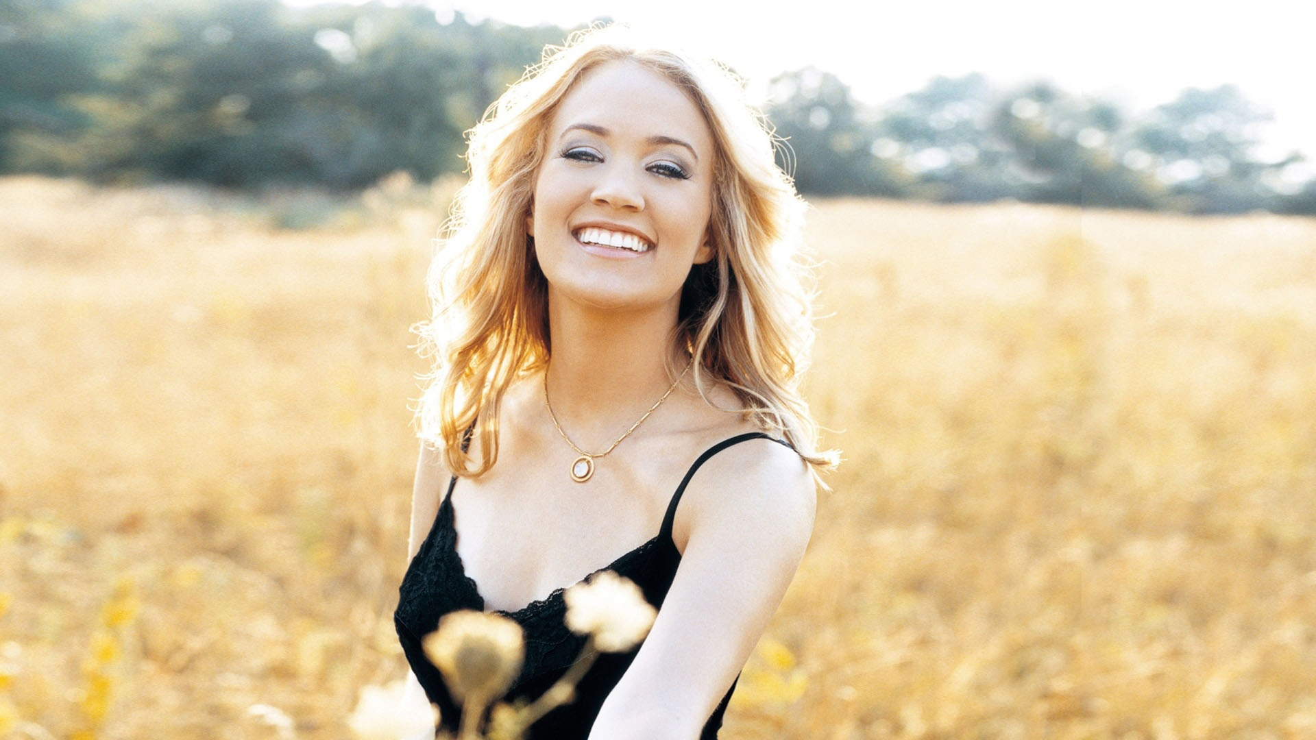"May 25, 2005: Carrie Underwood Won ""American Idol"""