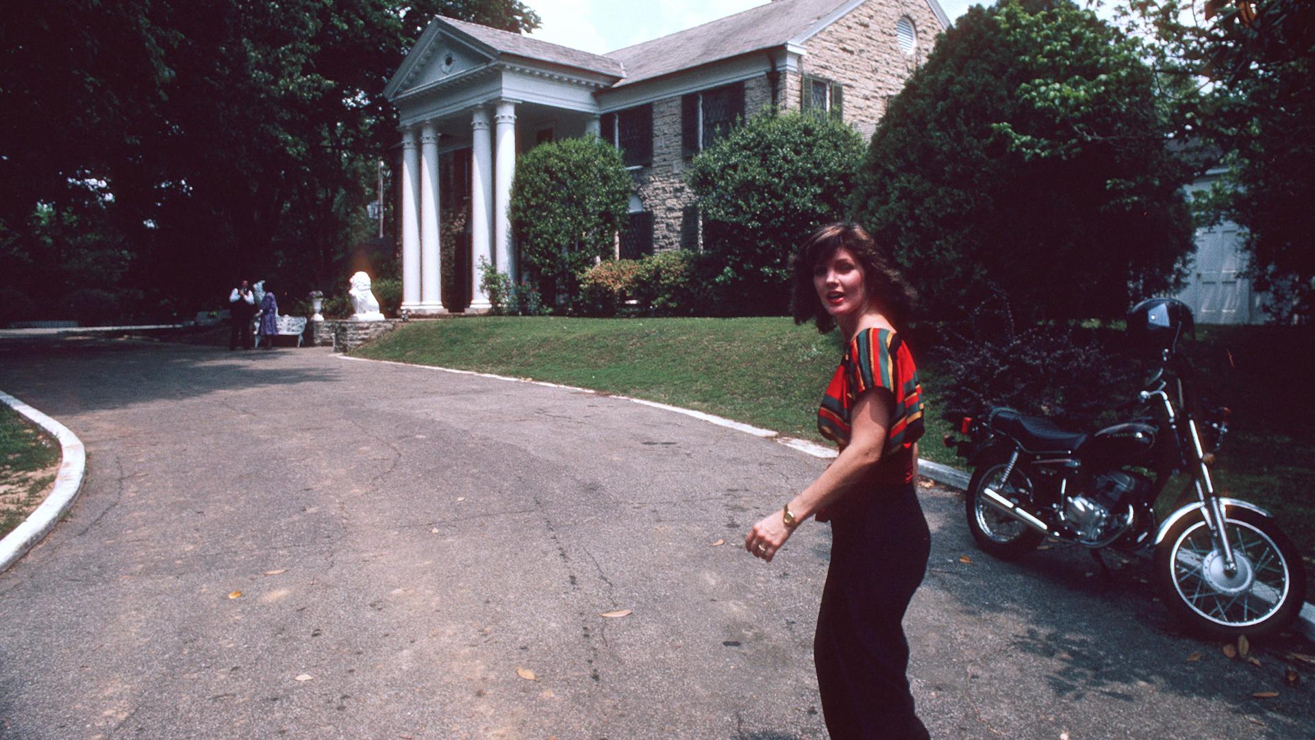 June 7, 1982: Priscilla Presley Opened Graceland to the Public