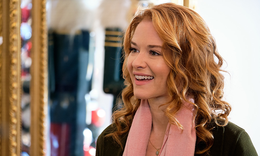Sarah Drew On Dating In The Digital Age And A Very Romantic Christmas With Her Husband Lifetime