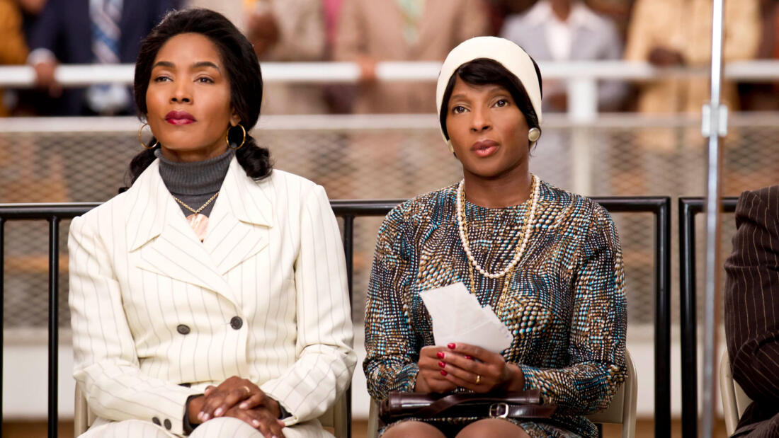 Angela Bassett and Mary J. Blige as Betty Shabazz and Coretta Scott King