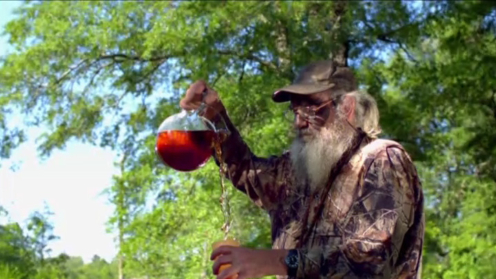 Watch World S Largest Deer Video Duck Dynasty A Amp E