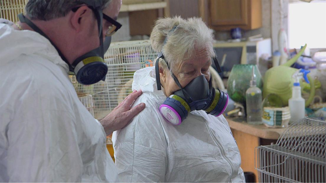 Hoarders: Family Secrets : Peggy & Ed and Connie