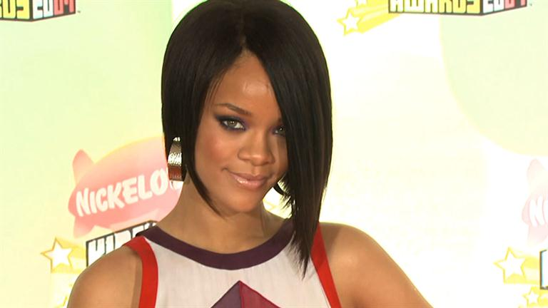 Rihanna Mini Biography