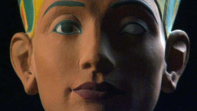 Nefertiti: The Mummy Returns
