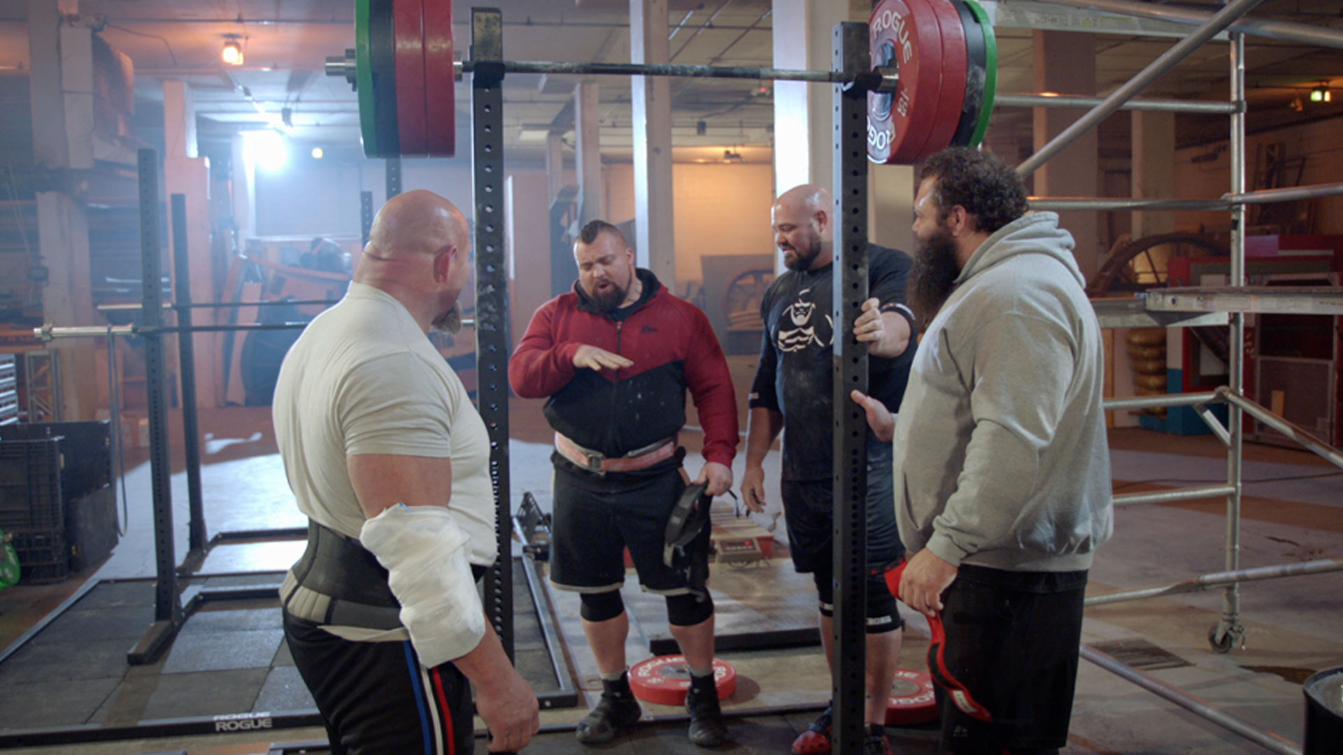 Strongmen Go to Vegas