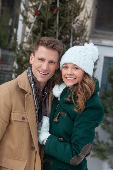 https://cropper.watch.aetnd.com/s3.amazonaws.com/s3.prod.pressbox.techlab.aetvn.com/froala%2F1561061426405-A+Smokey+Mountain+Christmas-+Day+09+-57.jpg?w=810